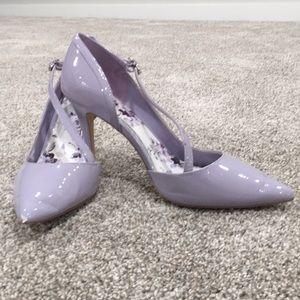 Gorgeous Lavender White House Black Market Heels